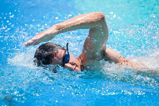 People With Diabetes Swim