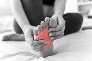 Symptoms of cellulitis in feet in diabetes